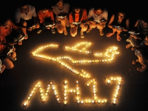 malaysian-airlines-mh17-candlelight-vigil