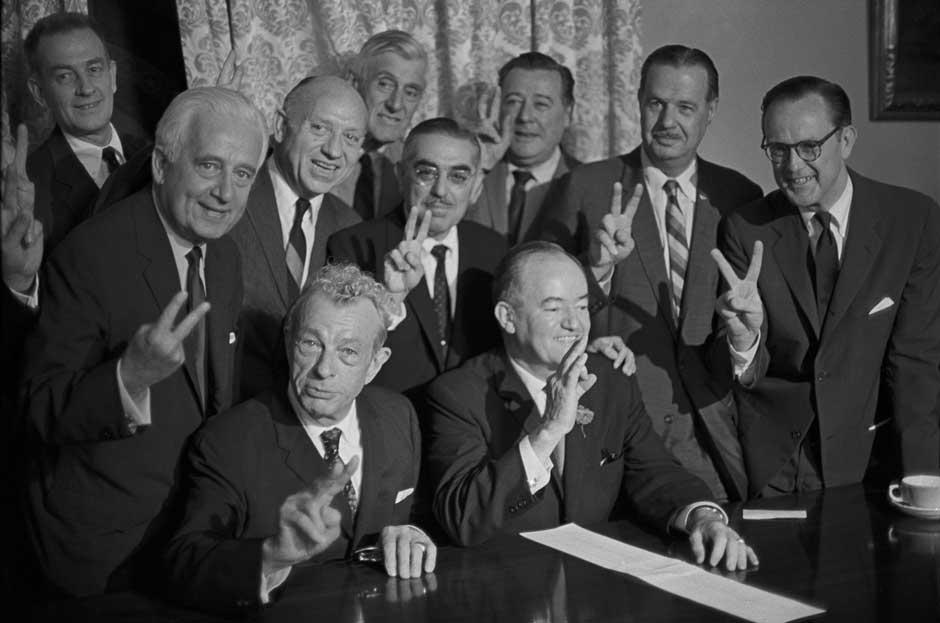 senate-supporters-at-close-of-civil-filibuster