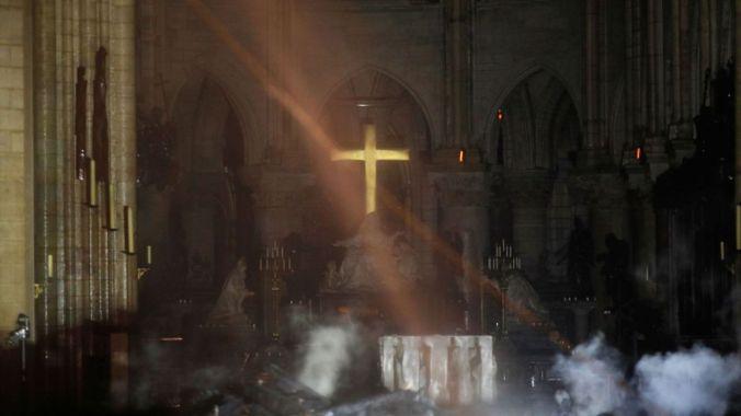 skynews-notre-dame-altar_4641049
